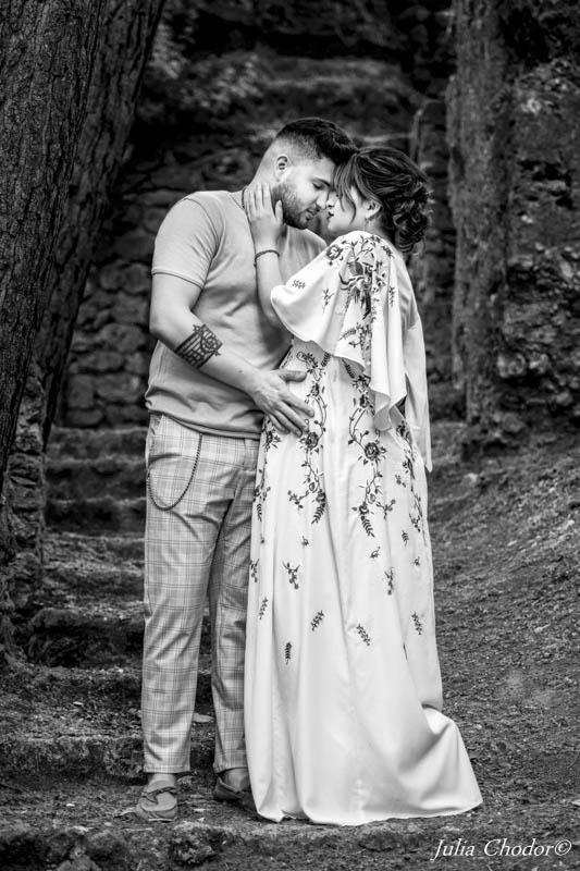 pregnancy photo session, maternity photo session, black and white photo session, portrait photo session, fine art portrait photo session, Julia Chodor Photography